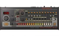 Roland dobgép TR-08